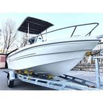 T-Top montiert auf einem GFK Boot mit Center Konsole