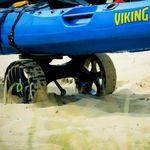 Railblaza C-TUG TRansportwagen / Slipwagen mit Sandrädern in Bewegung