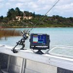 Railblaza drehbare Montageplattform R mit Lowrance Fishfinder