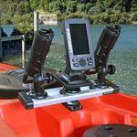 Railblaza Starporthalterung HD in schwarz mit einem Trackport Dash