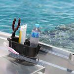 Railblaza StowPod Staubehälter montiert an einem Gunwale