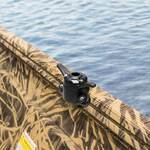 Railblaza CleatPort 45 TrackLoader horizontal am Gunwale montiert